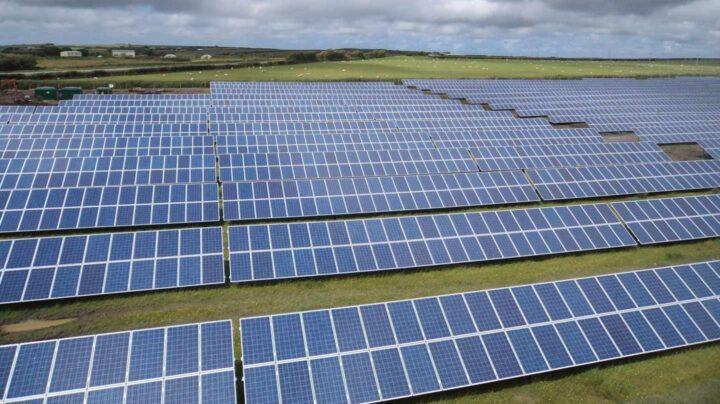 Una planta de energía solar fotovoltaica. EUROPA PRESS