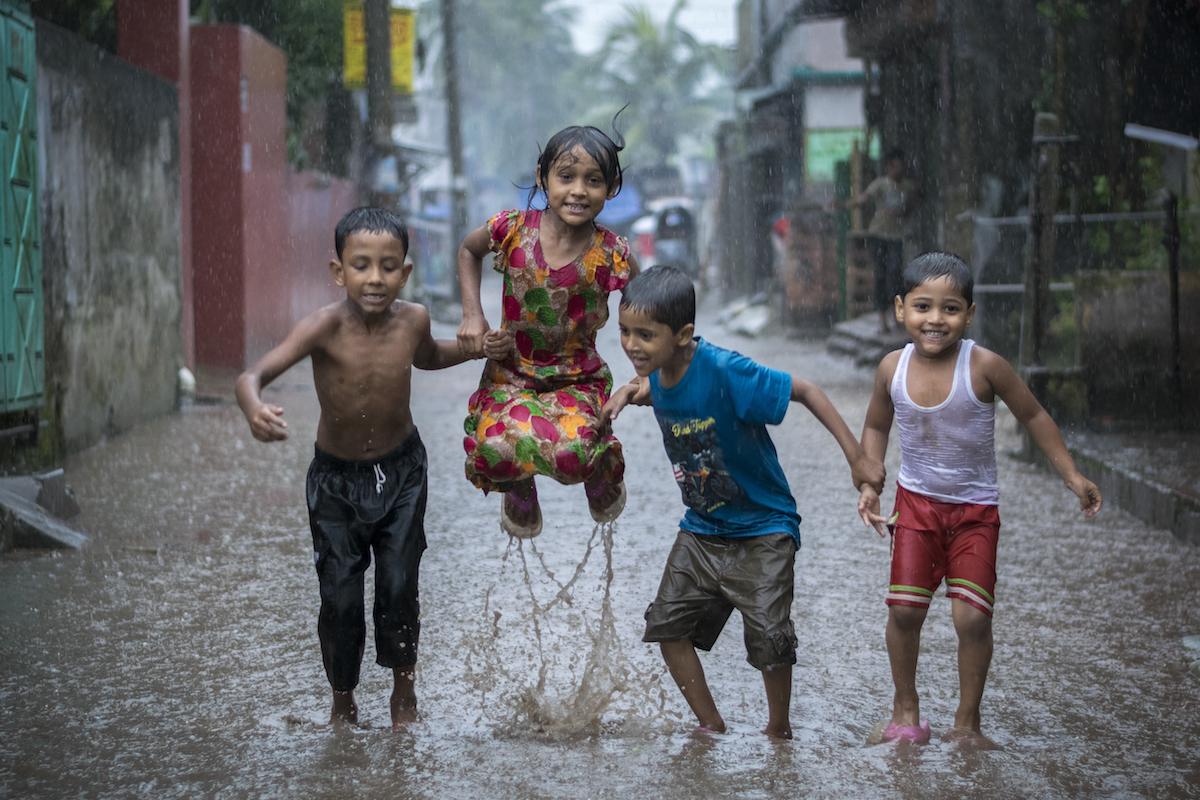 """""""Happiness in a rainy day"""" de Fardin Oyan"""