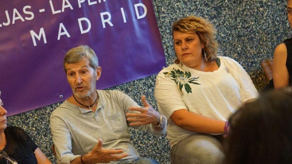 El ex Jemad Julio Rodríguez junto a Maby Cabrera (derecha).