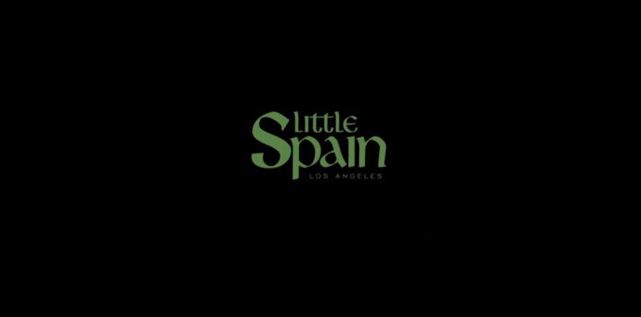 El logo de Little Spain cierra el videoclip de C. Tangana con El Niño de Elche.