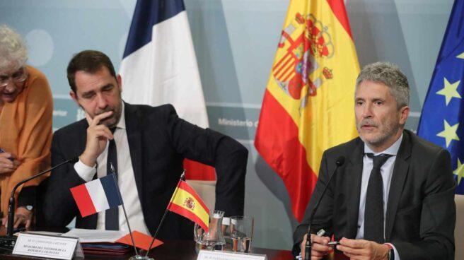 El ministro del Interior, Fernando Grande-Marlaska, junto con su homólogo francés, Christophe Castaner.