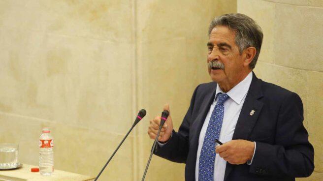 Miguel Ángel Revilla, durante una intervención en el parlamento cántabro.