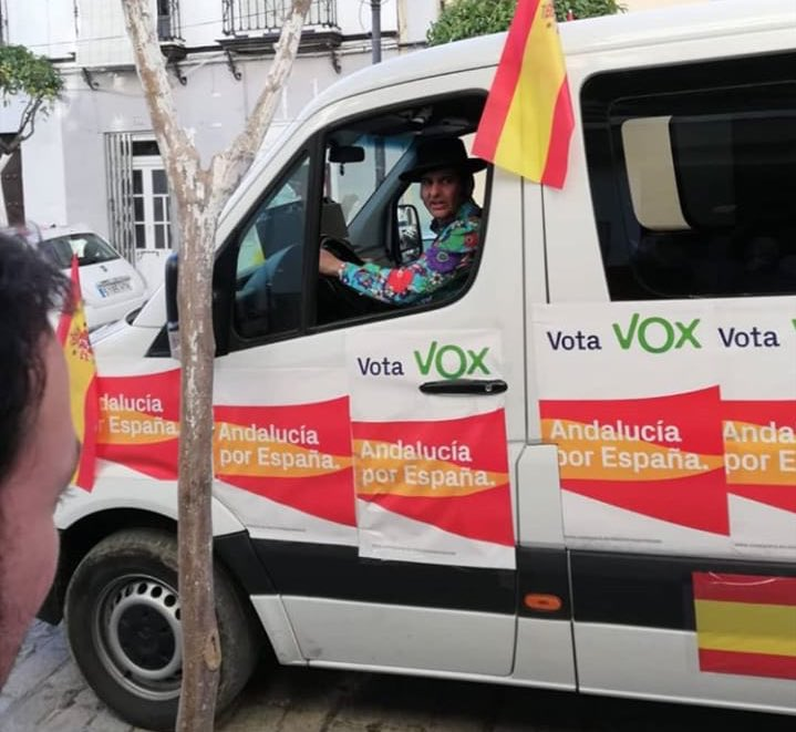 Morante de la Puebla, en la furgoneta de Vox.