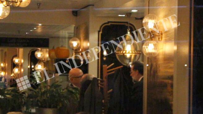 Rajoy durante la comida con Jorge Fernández Diez en Madrid