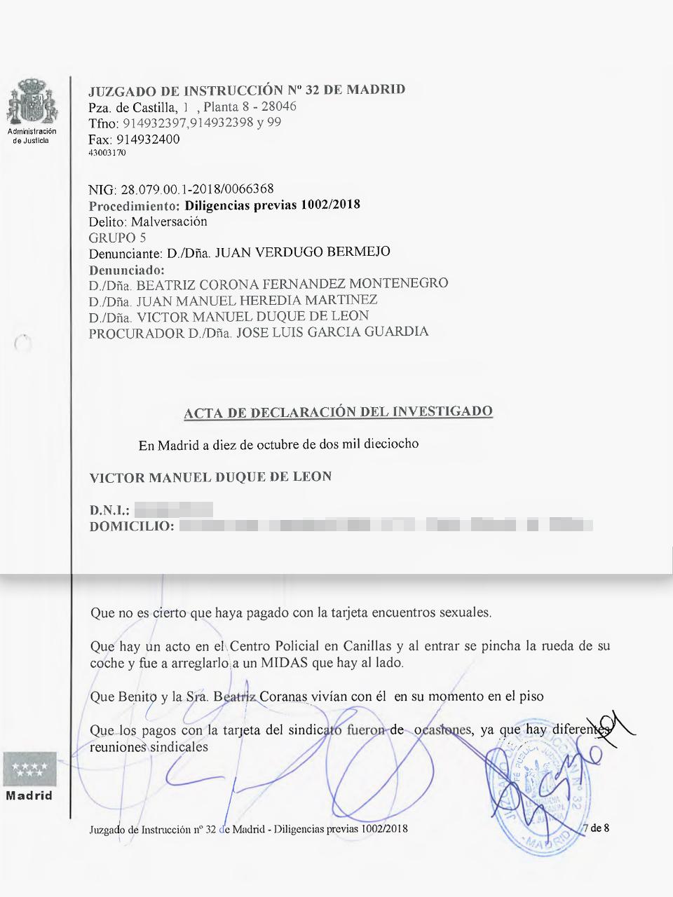 Acta de la declaración judicial de Víctor Duque como investigado con la firma de éste (segunda rúbrica por la izquierda).
