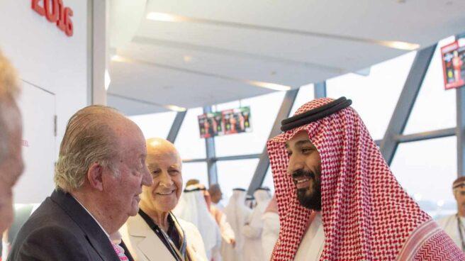 El Rey Emérito Juan Carlos y Mohammad Bin Salman.