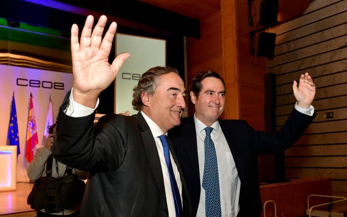 El ex presidente de CEOE, Juan Rosell, (izquierda) y su sucesor, Antonio Garamendi, (derecha).
