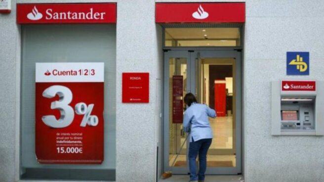 La CNMV multa a Santander con 4,5 millones de euros por infracción muy grave.