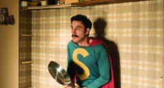 Superlópez, un héroe en la medianía de edad