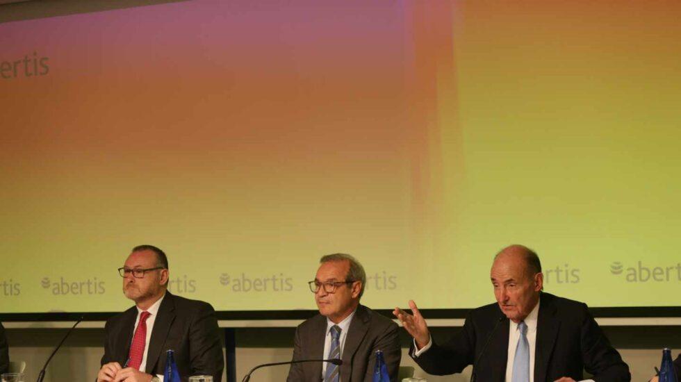 El consejero delegado de Abertis, José Aljaro y el presidente, Marcelino Fernández Verdes.