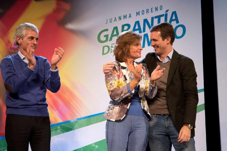 Suárez Illana y Casado junto a Esperanza Oña en un acto de campaña en Andalucía