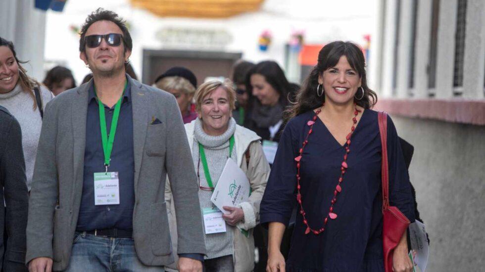 La candidata de Adelante Andalucía, Teresa Rodríguez, y el alcalde de Cádiz, José María González 'Kichi'.