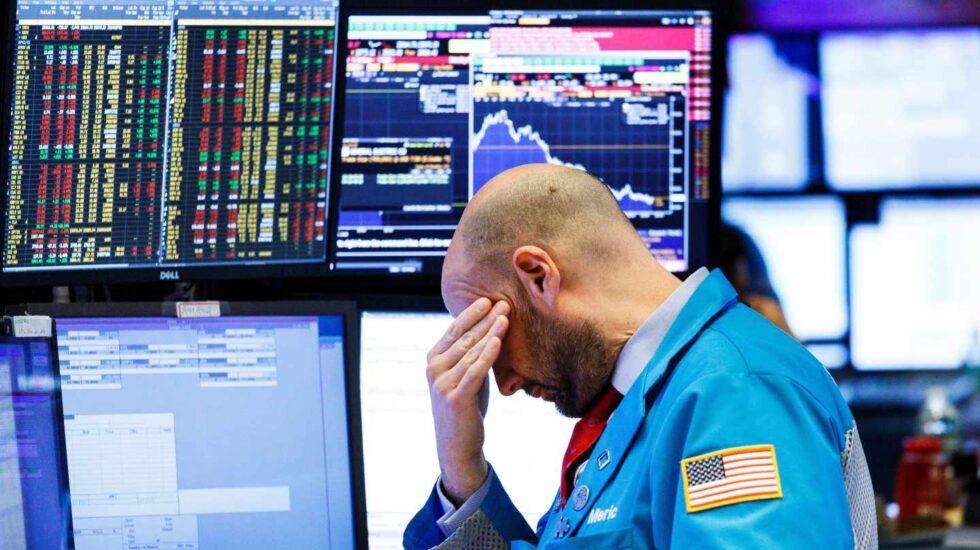 Trump aviva los miedos del mercado y Wall Street pierde más de un 3%.