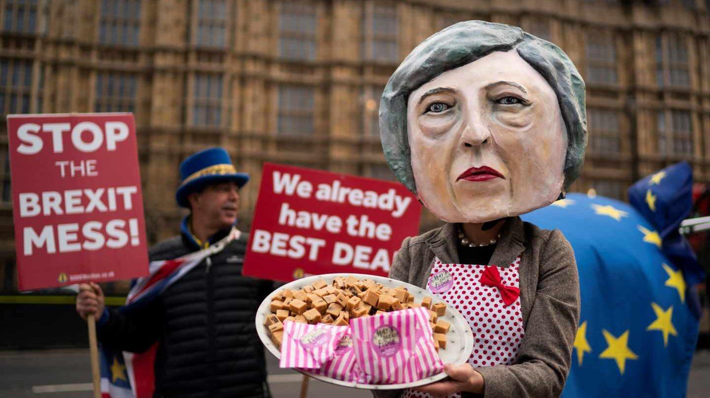May cancela la votación sobre el acuerdo para el Brexit en el Parlamento británico.