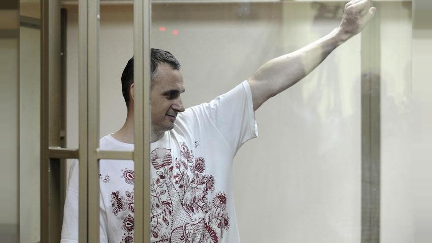 El cineasta Oleg Sentsov durante el juicio en el que se le condenó a 20 años de prisión.