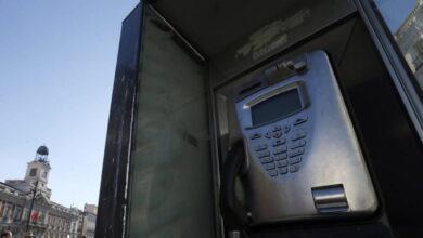 El Gobierno prolonga por sorpresa la vida de las cabinas telefónicas