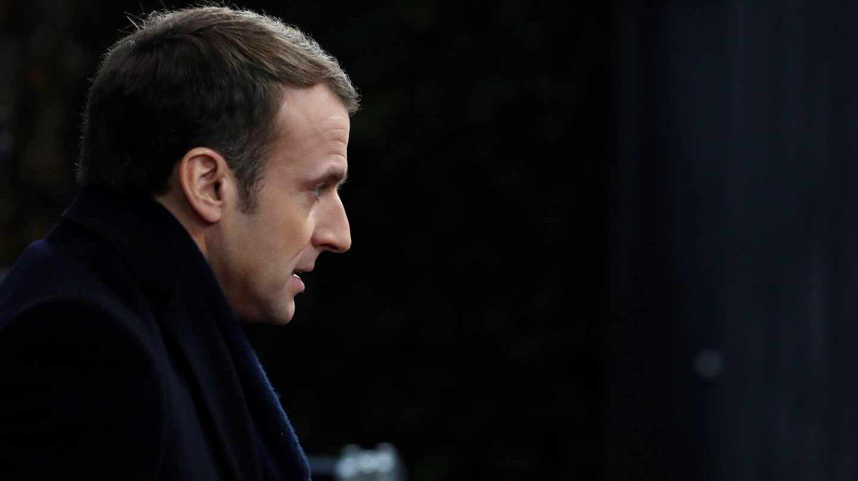 El presidente de Francia, Emmanuel Macron, en horas bajas.