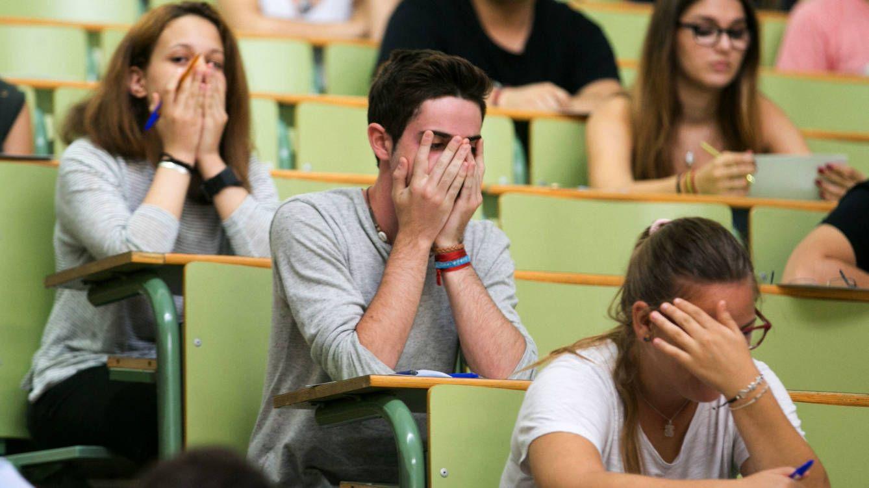 Estudiantes durante una prueba de acceso a la universidad.