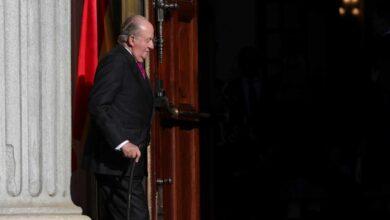 La marcha de don Juan Carlos: un error histórico que no ayuda a la Corona