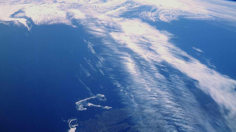 Nubes uniéndose a una corriente en chorro sobre Canadá
