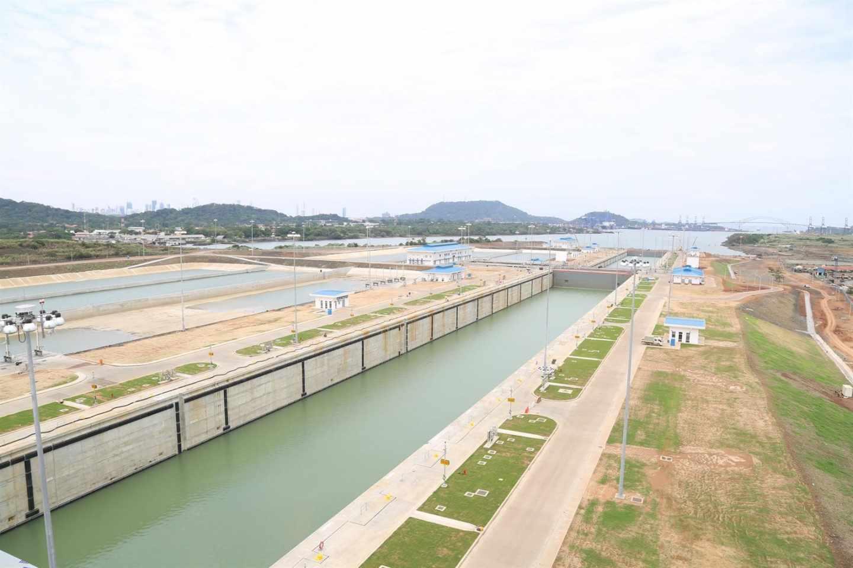 Sacyr se hunde un 14% por el laudo que le obliga a devolver 350 millones a Panamá