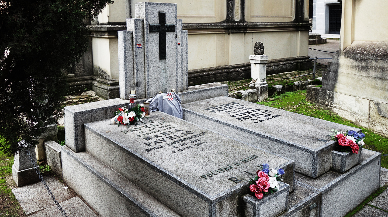 La olvidada y consentida tumba en Madrid del genocida fascista Ante