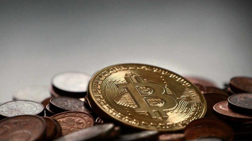 El bitcoin 'celebra' el aniversario de su récord un 81% por debajo de sus máximos.