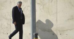 El ex tesorero del PP Luis Bárcenas, saliendo de una de las sedes de la Audiencia Nacional.