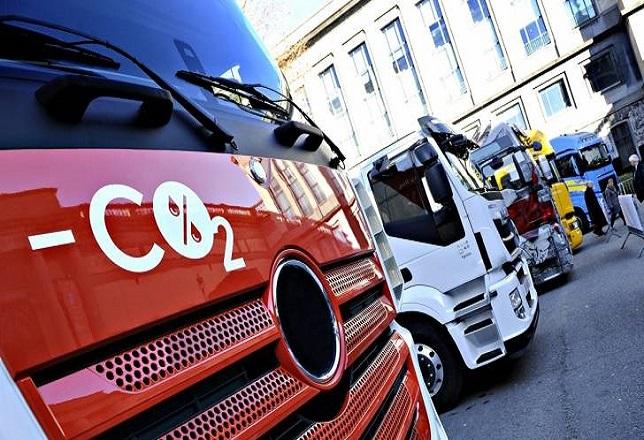 Pacto de los gobiernos de la UE para recortar las emisiones de los camiones.