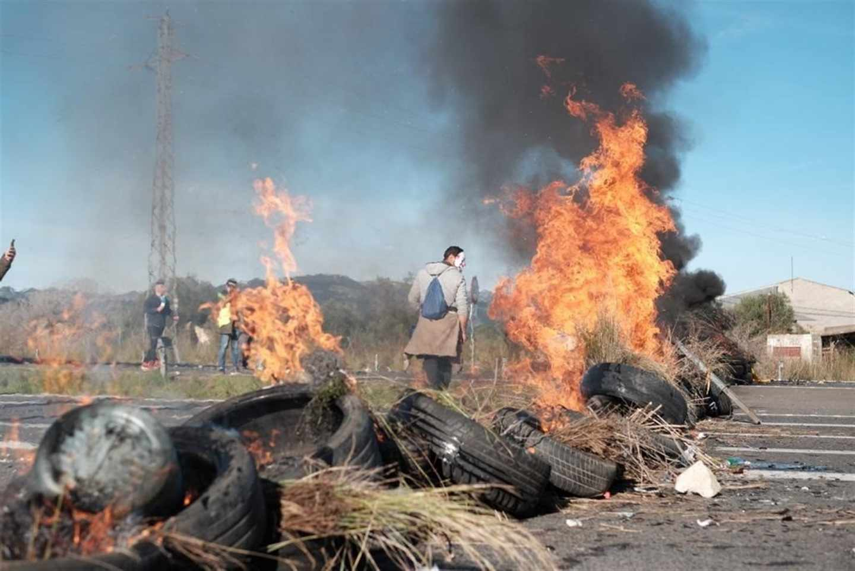 CDR queman neumáticos en la AP7.
