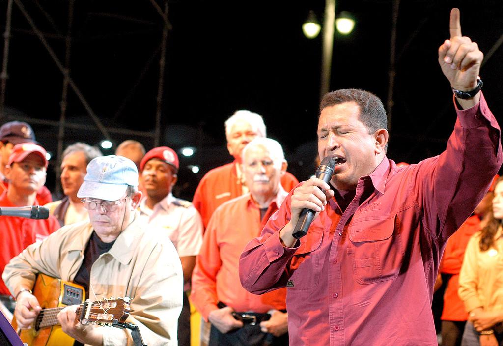 Hugo Chávez, el hombre que puso a Venezuela a bailar.