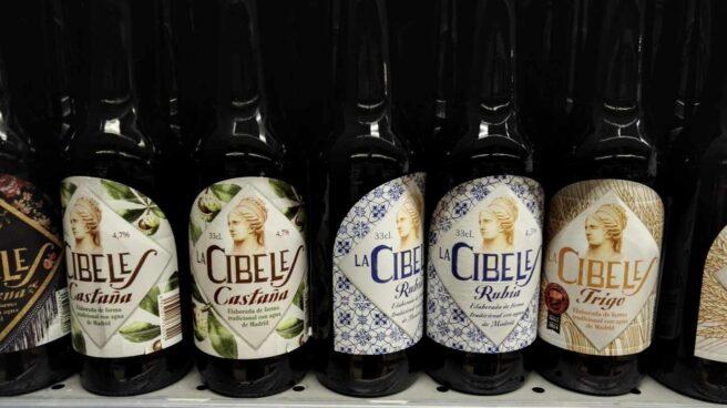Botellas de cerveza de La Cibeles.
