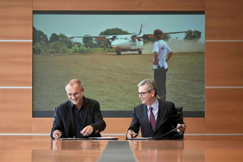 El presidente de Inditex, Pablo Isla, y el de Médicos Sin Fronteras en España, David Noguera, en la sede de Arteixo.