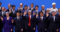 El príncipe heredero saudí queda apartado en la foto de familia en la cumbre del G20