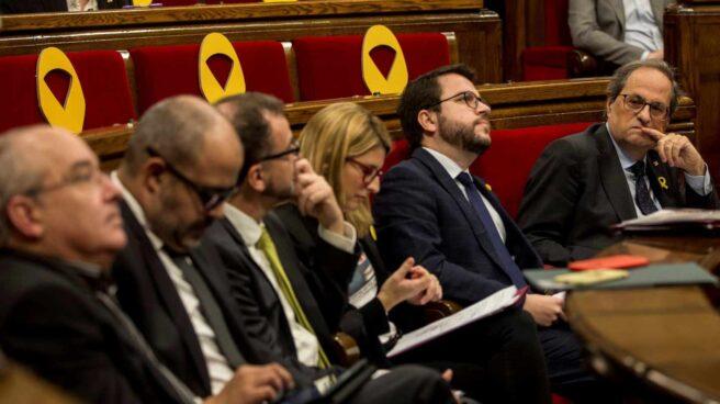 Miembros del Gobierno catalán, en el Parlament.
