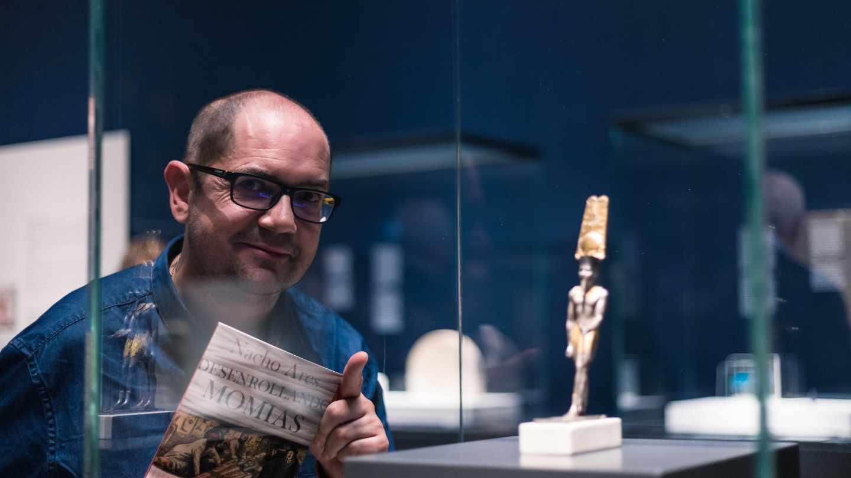 """Nacho Ares, egiptólogo y autor de """"Desenrollando momias"""" (Espasa)"""