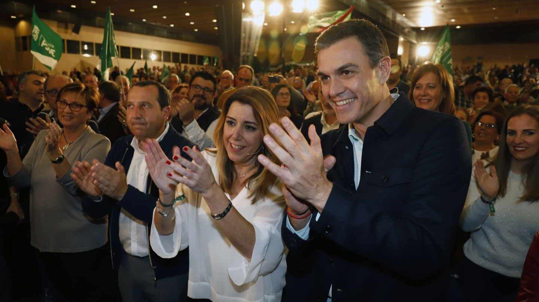 Susana Díaz y Pedro Sánchez, en un mitin en Marbella.