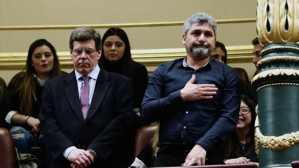 Los padres de Diana Quer y Mari Luz Cortés, en el Congreso de los Diputados durante el debate sobre la prisión permanente revisable.