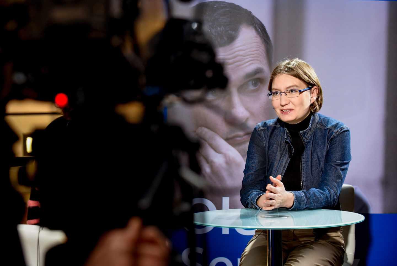 """Foto facilitada por el Parlamento Europeo de Natalya Kaplan, la prima del director de cine ucraniano encarcelado Oleg Sentsov, que este miércoles recibe el premio Sájarov de la Eurocámara, que afirma a Efe que """"Europa no es consciente del peligro de la vecina Rusia""""."""