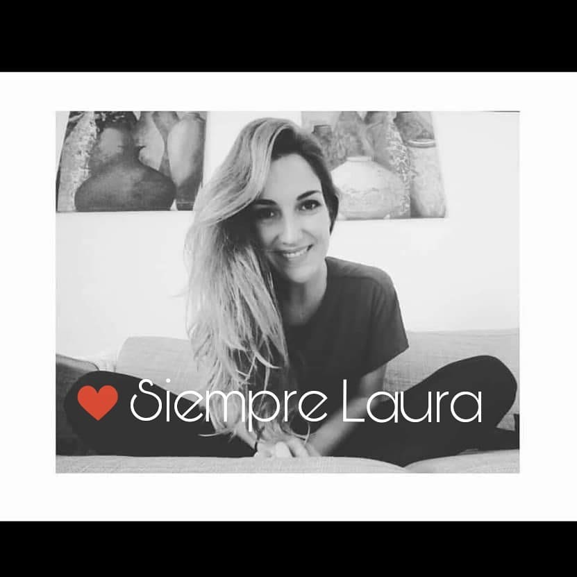 Cartel de recuerdo a Laura Luelmo, la profesora zamorana de 26 años asesinada en El Campillo.