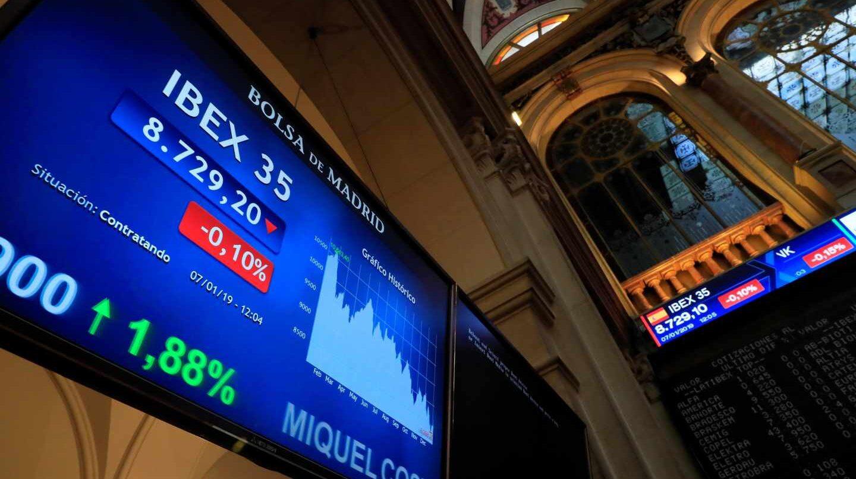Cotización del Ibex en los paneles del interior de la Bolsa de Madrid.
