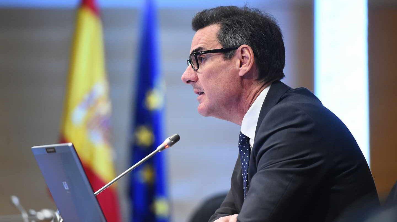 España apuesta por la deuda al más largo plazo para protegerse de la subida de los tipos.