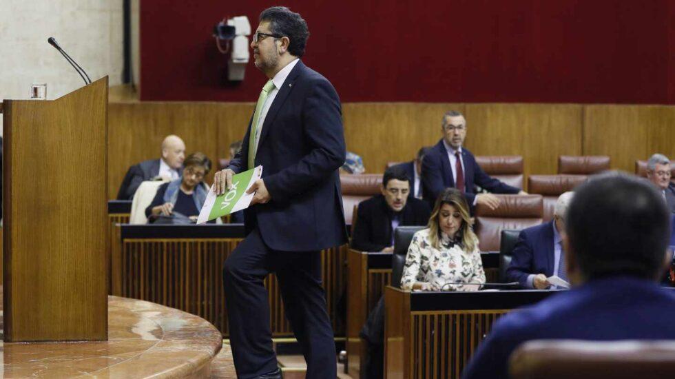 Francisco Serrano, momentos antes de la intervención del líder de Vox en Andalucía.