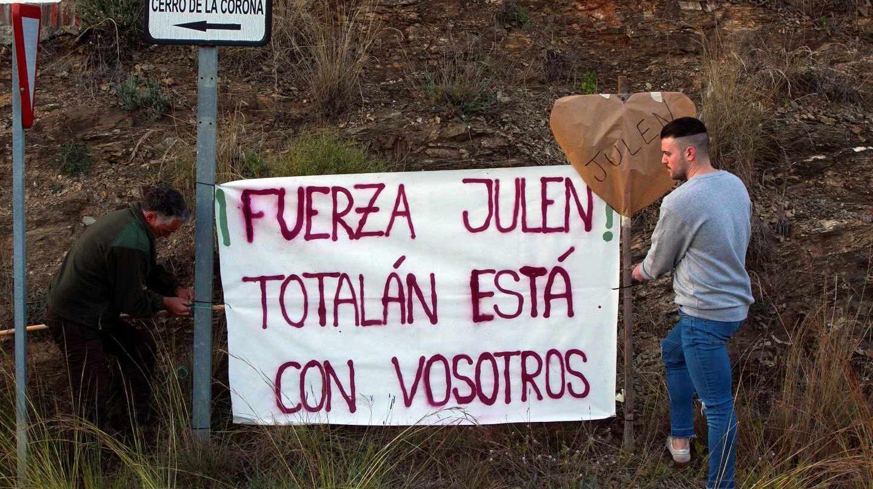 Concentración y marcha que los vecinos de Totalán (Málaga) realizan este miércoles en apoyo a Julen