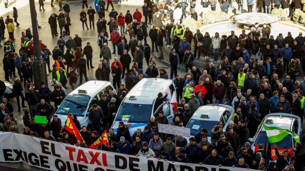 Manifestación de taxistas en la Puerta del Sol en Madrid.
