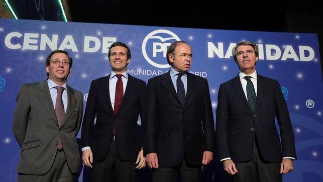 Casado junto a Almeida, García Escudero y Garrido en la cena navideña del PP de Madrid
