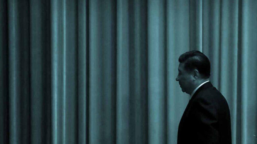 El líder chino, Xi Jinping, a su salida del Gran Salón del Pueblo, en Pekín.