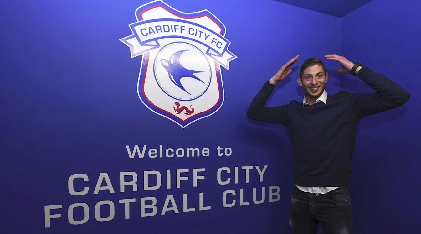 Emiliano Salas tras fichar por el Cardiff City.