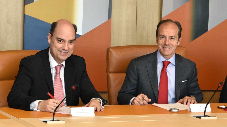 Los consejero delegado de de MAPFRE España, José Manuel Inchausti y de Santander España, Rami Aboukhair,