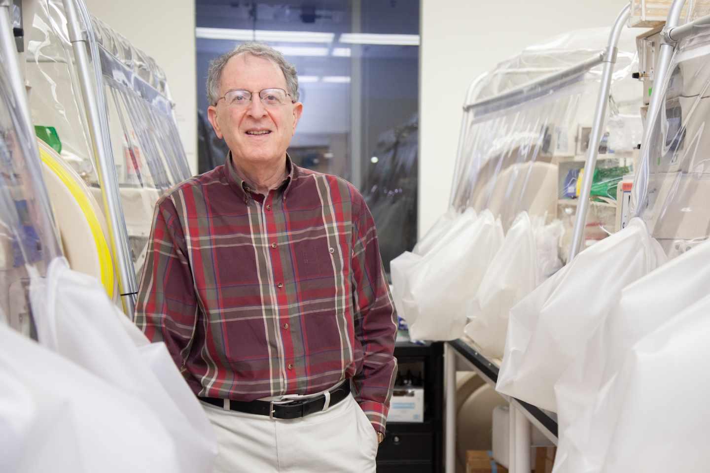 El investigador del microbioma intestinal Jeffrey Gordon